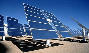 solar tracking system to power geothermal plant
