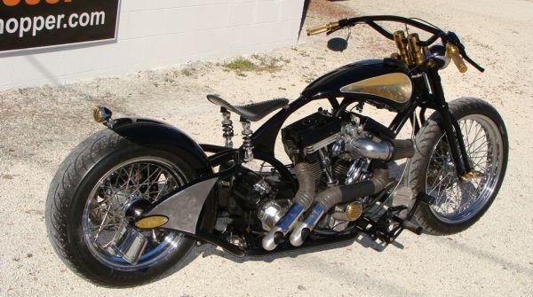В основу мотоцикла заложен стоковый двигатель Harley-Davidson 1994 года с головками Edelbrock и...