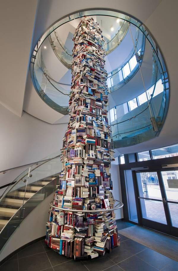 34-foot tower of books about Abe Lincoln