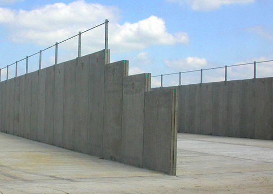 how to build a pre-cast concreten wall