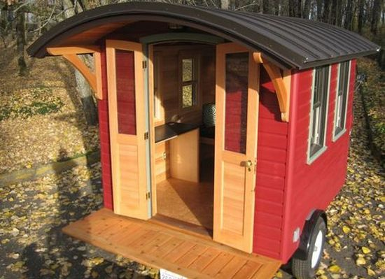 Don Vardo Portable Green Home Is Packed On A Trailer