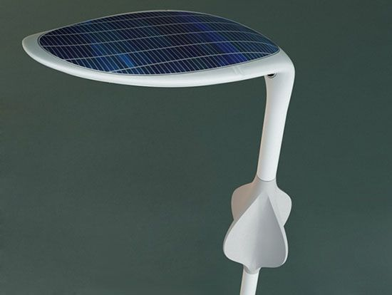 Embryo Solar And Wind Hybrid Streetlight Concept Ecofriend
