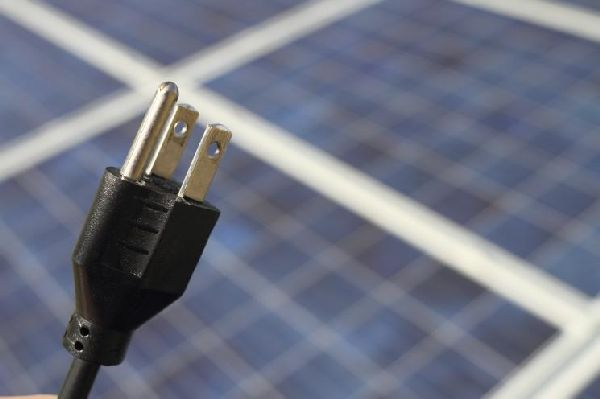 "Energy Department Announces Funding to Develop ""Plug-and-Play"" Solar Energy Systems for Homeowner"