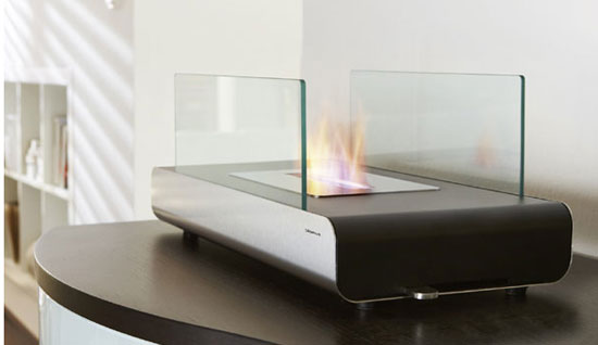 Eco Gadgets Smokeless fireplace from Blomus is low on pollution