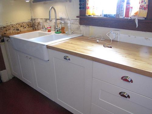 Formica countertop: Butcher Block