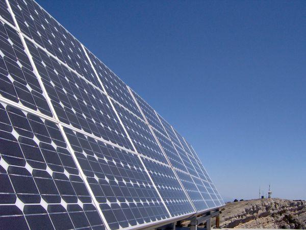 Greece touts green energy 2050 roadmap as key to economic recovery