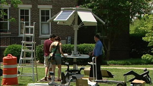 Hangin' at the Dok: Maryville College gets solar-powered picnic tables