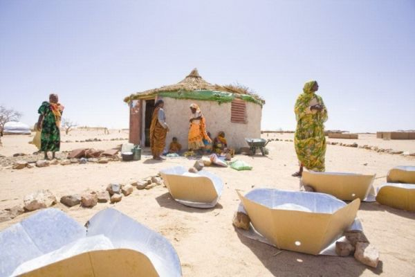How are solar cookers saving lives in Chad and Darfur?