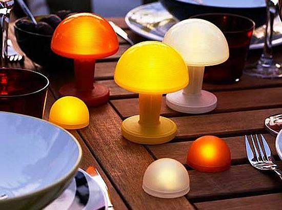 Eco gadgets ikea debuts solar powered lights for eco friendly gardens ecofriend - Lamparas solares interior ...