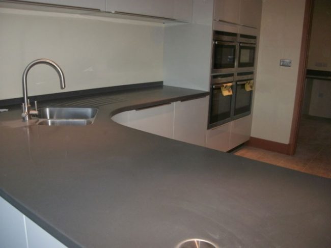 Best corian countertop designs for your eco kitchen for Price of corian countertop