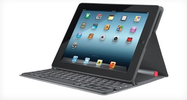 Logitech iPad case and keyboard charges itself with solar power