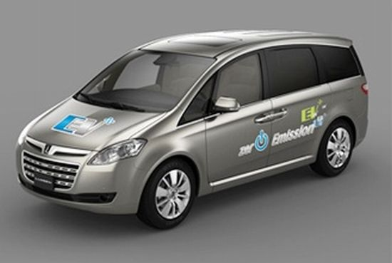 Only Seater Electric Vehicle Mpv Ev Cruises At