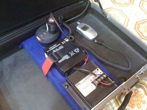Make a solar power generating briefcase