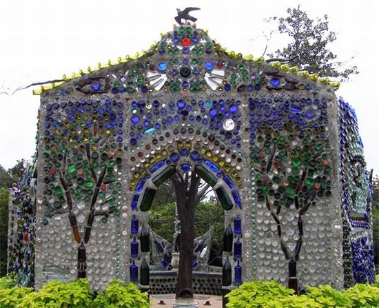 Garden chapel reflects organic shape with recycled - Recycled glass for gardens ...