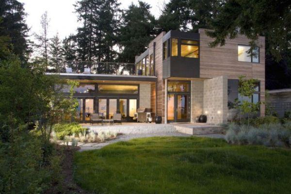 Modern Ellis residence