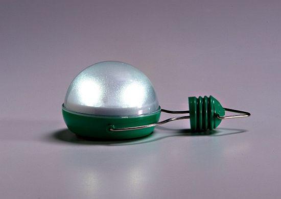 nokero n200 solar powered light bulb  05