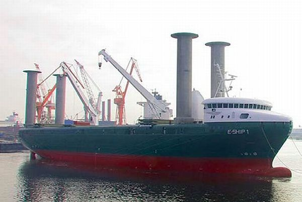 Ocean´s plastic waste collecting ships