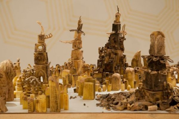 Plot – A Stunning Cityscape Made of Carved Potatoes