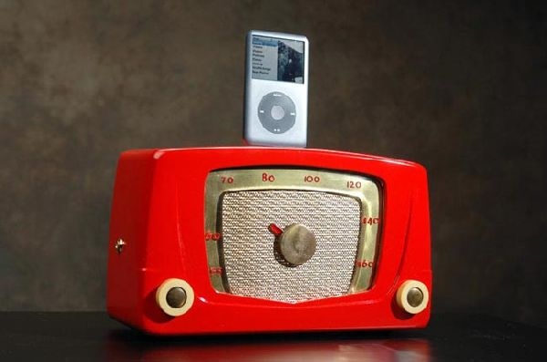 Recycled Vintage Radio iPhone and iPod Speaker Docks