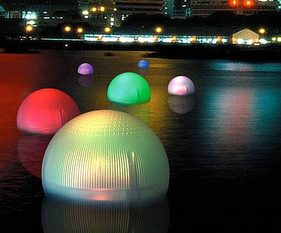 Color Changing Solar Floating Balls Will Rock Your Garden
