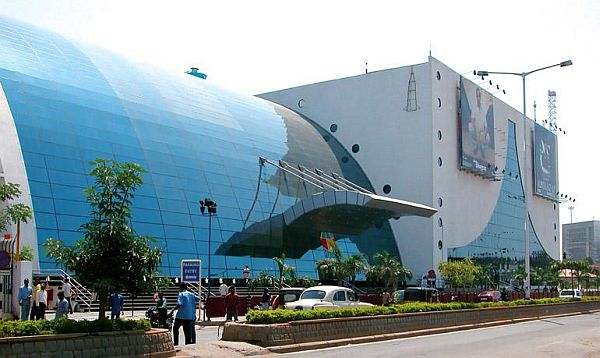 solar powered theater in india 2