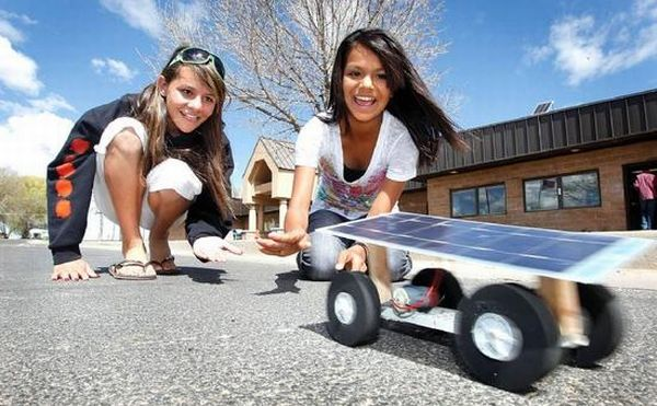 How to make a solar panel powered car