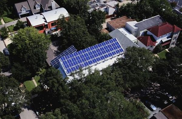 Solar sufficient LEED home in Houston