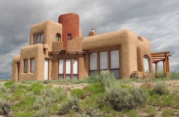 Straw bale home completely off grid and self sufficient for Self sufficient home designs