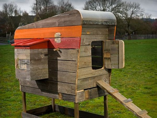 Designer creates mobile chicken coops using reclaimed wood for Moving chicken coop plans