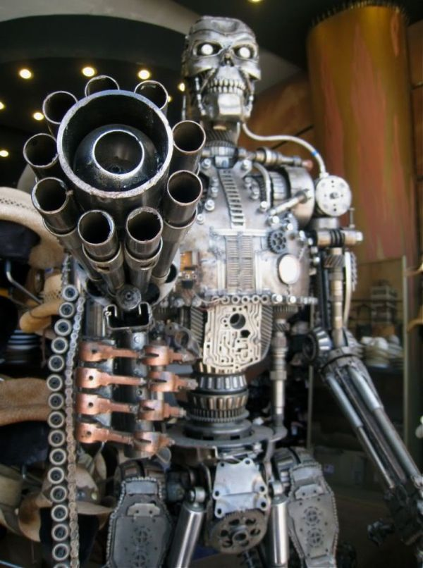 Most Famous Movie Characters Carved Out In Scrap Metal