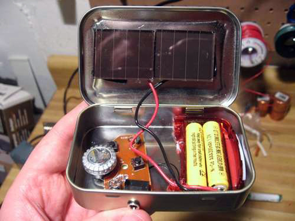 The emergency solar radio