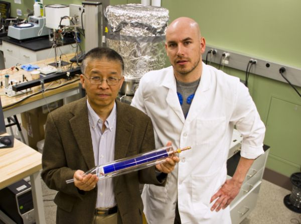 Thermoelectric generator powered by sun's heat