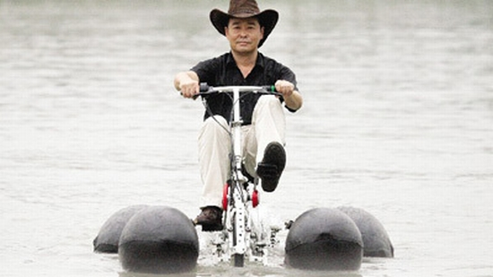 Eco Bikes Chinese Man Invents Amphibious Bike Hopes To Get It