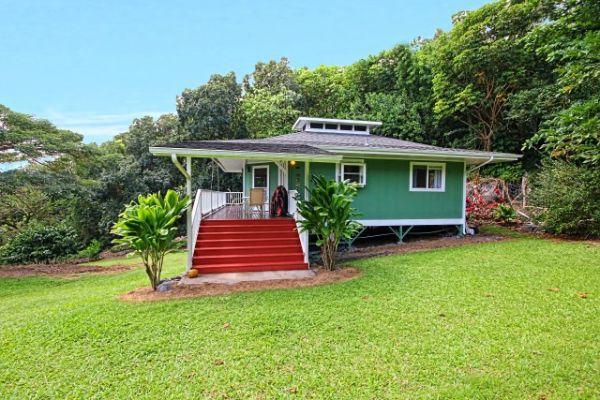 Hana Hideaway A Stunningly Green Dwelling In Old Hawaii Ecofriend