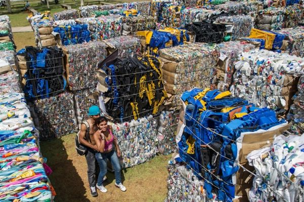 Eco Artist Recycles 30 Tons Of Waste To Create Giant Maze