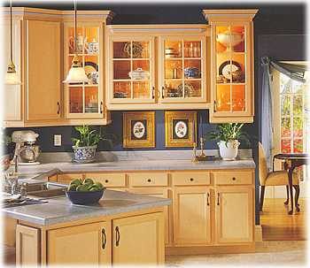 Going green by installing wooden kitchen cabinets ecofriend for Hardwood kitchen cabinets