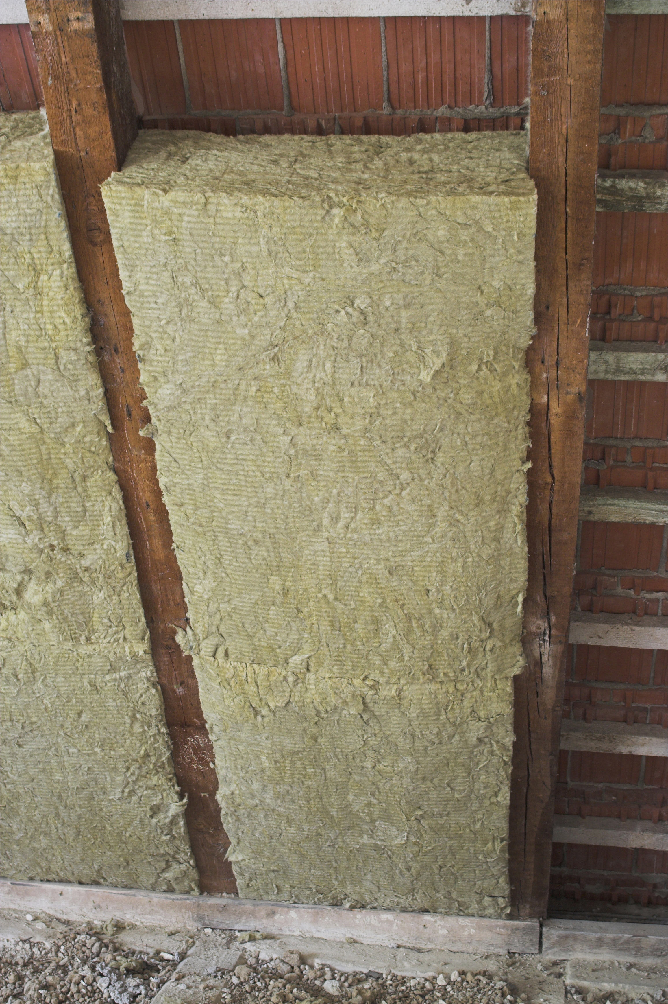 Eco friendly insulation to be used in cp rail building for Eco friendly house insulation