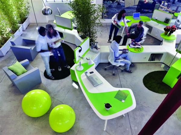 Eco-friendly-green-office-work-desk-beta-workplace-system