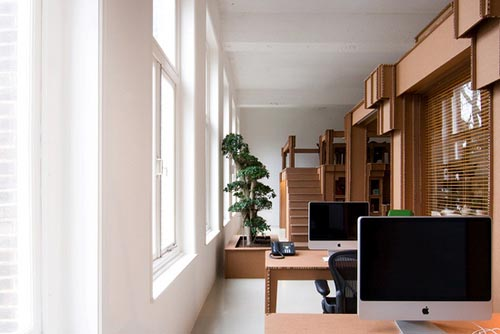 nothings_eco_friendly_office_by_cardboard_boxes_1