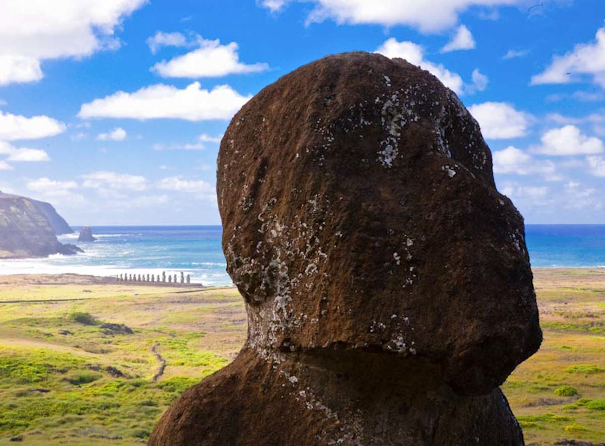 The-green-grass-of-Easter-Island-also-known-as-Rapa-Nui-adds-to-its-beauty