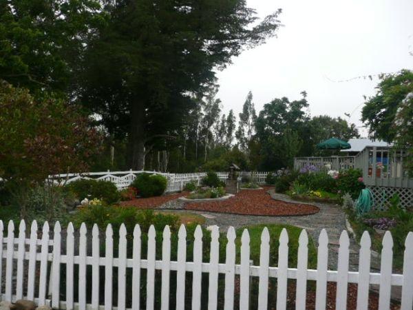 3_bed_3_Bath_Gated_Green_Home_With_Surveillance_Sabastopol_CA_95472_front_yard