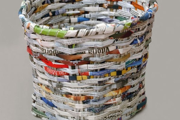 Creative ways to recycle read magazines ecofriend for Creative use of waste newspaper