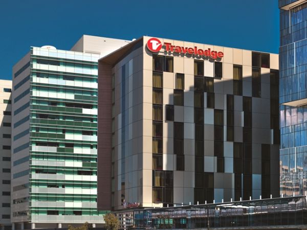 travelodge-docklands-exterior