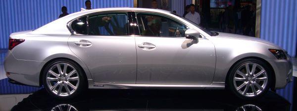 Lexus_GS_450h_(side)