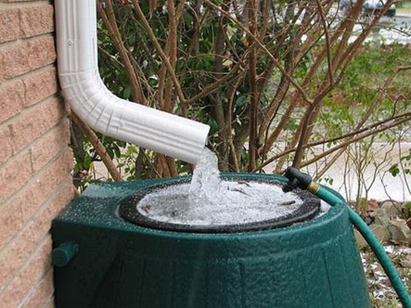 Water Drain Roof Downpipe or The Roof Drain