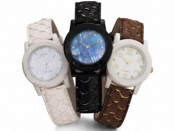 sprout-watch-salmon-leather-537x402