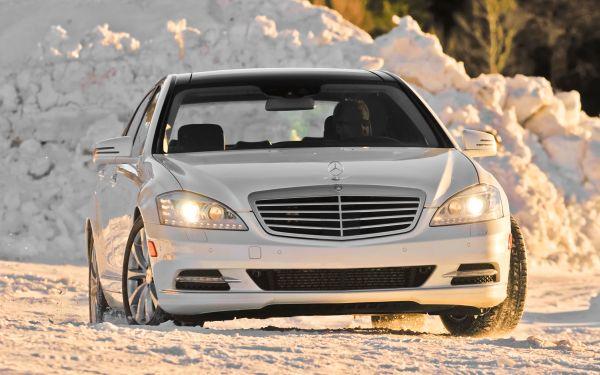 2012-Mercedes-Benz-S350-BlueTEC-4MATIC-front-end-11