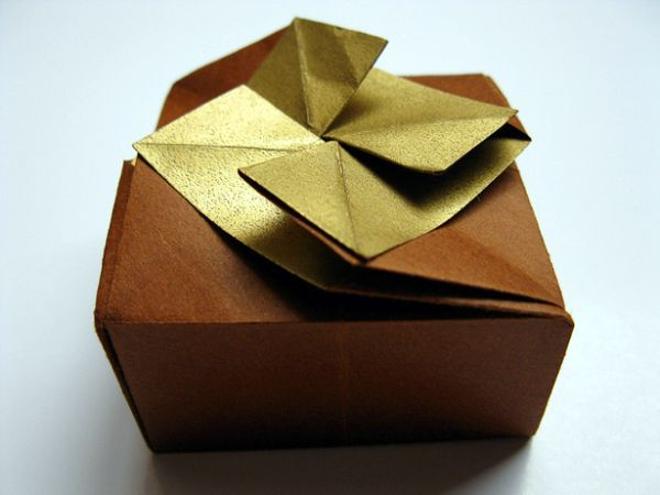Sep 14,  · Find 24 creative ideas to make your wrapping as special as the gift itself.