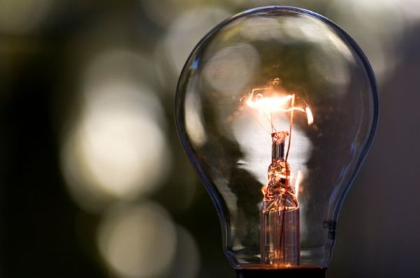 Old-Style-Incandescent-Light-Bulb-568x377