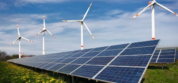 Ger_combined_solar_wind_Fotomontage_Tom_Baerwald_Solarpraxis